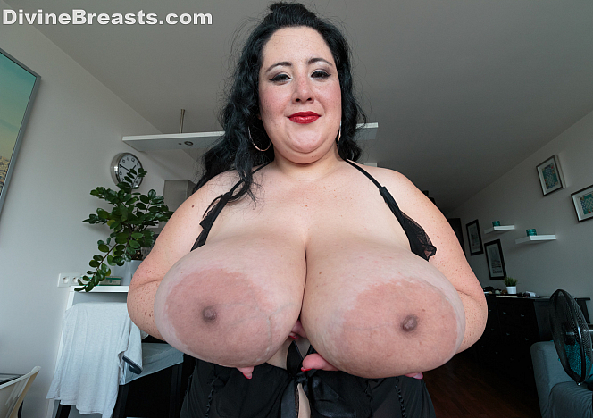 Amanzia BBW Tits and Ass