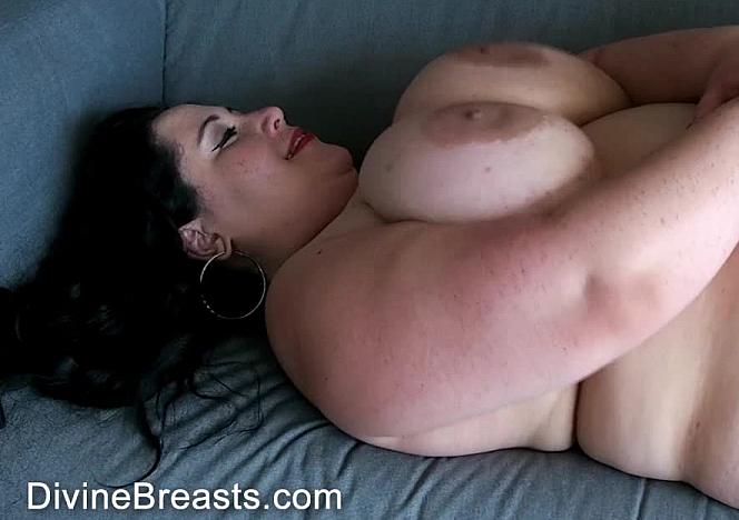 Amanzia Soft Body Sexy BBW