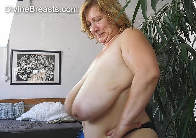 Betsy Long Boobs Jiggling