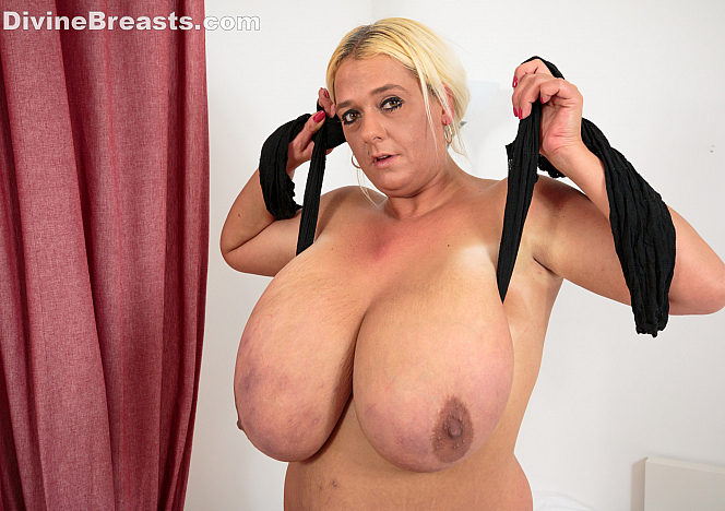 Emilia Boshe Busty in Sexy Lingerie