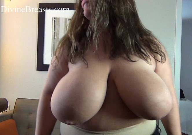 Hayley BBW Bouncing Big Tits