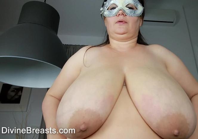 Julia Wild Big Tits BBW