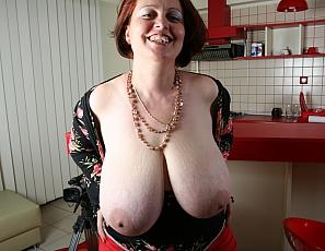 pam Big tits