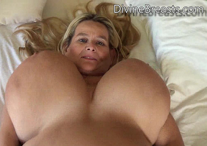 Sarah Bed Time Tit Games