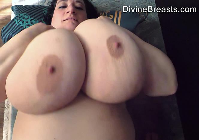 Sunniva Lind Juicy Fat Tits OBJS