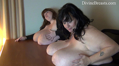 Suzie and Lexxxi Breast Jiggles