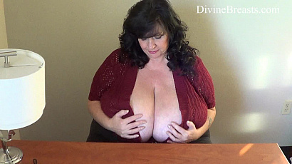 Suzie Breasts Bigger than 44K