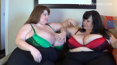 Suzie and Lexxxi Play with Big Tits