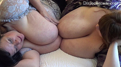Suzie and Lexxxi Tit Squeezing