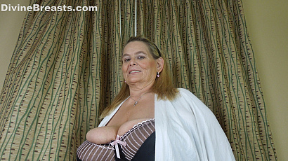 Sarah Big Tits Country Girl