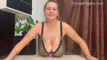 Erin Tit Fuck Dreams in Bra