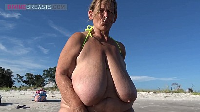 Sarah Lolipop Sucking Beach Busty