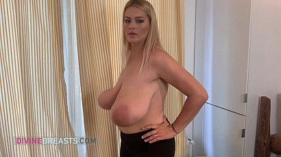 Erin Star Busty Work Out