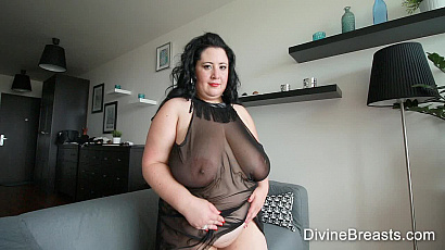 Amanzia Hot and Horny BBW Milf
