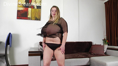 Ashley Dance and Jiggle Big Tits