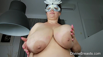 Julia Wild Big Tits BBW