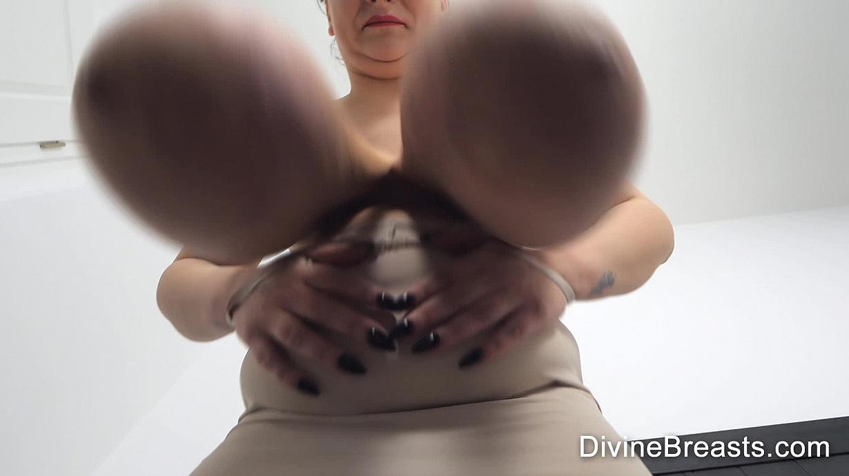 Tits big massive Melons Clips