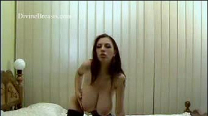 Anya Pussy Play in Bed