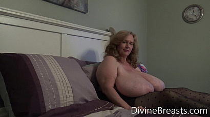Suzie 44K Bounce and Juggle Jugs