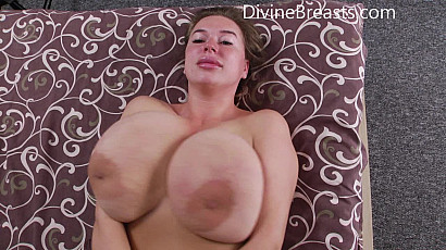 Ashley Busty On Back Jiggle Show