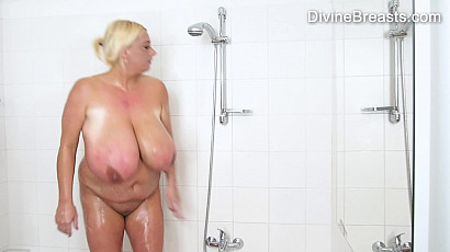 Emilia Boshe Nude in the Shower