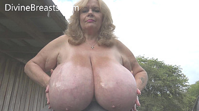 Suzie 44K Slippery Giant Jugs Show