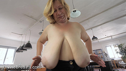 New Model Betsy Huge Hangers