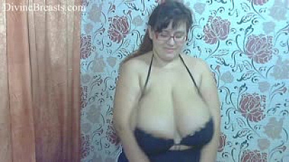 Nina the Big Breasts Milker