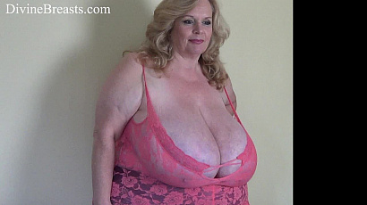 Suzie Busty BBW Nipple Sucks