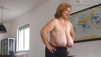 Betsy Blond Milf Tits On Display