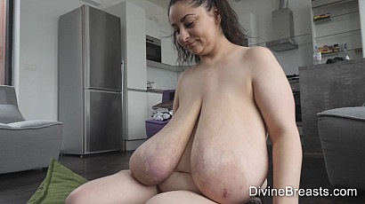 Alice Macromastia Breasts Games