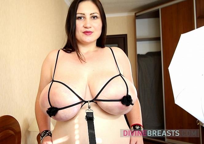 Ivanna Sexy Boob Bondage