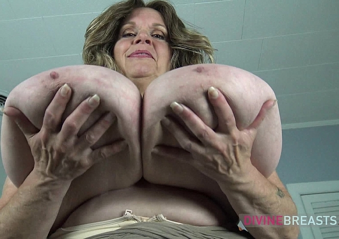 Suzie Milf with Bouncy Big Boobs